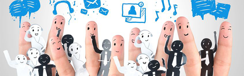 Should You Manage Your Business's Social Media In-House or Outsource It?